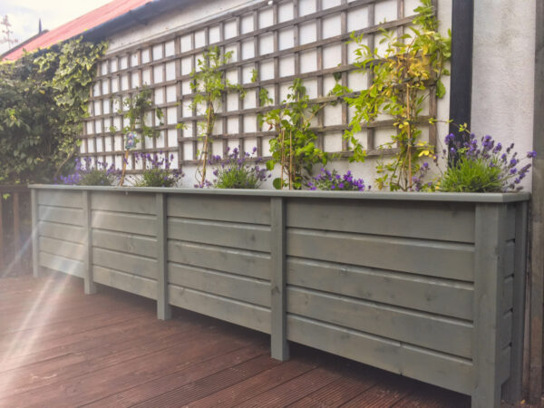 Mid height living walls